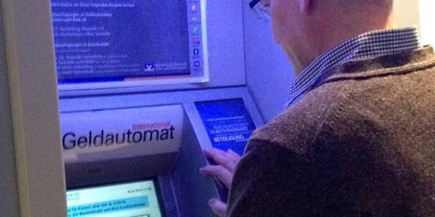 Unfallversicherung sinnvoll - nicht nur bei Überfall am Geldautomaten